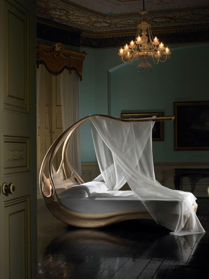 Enignum Canopy Bed 2
