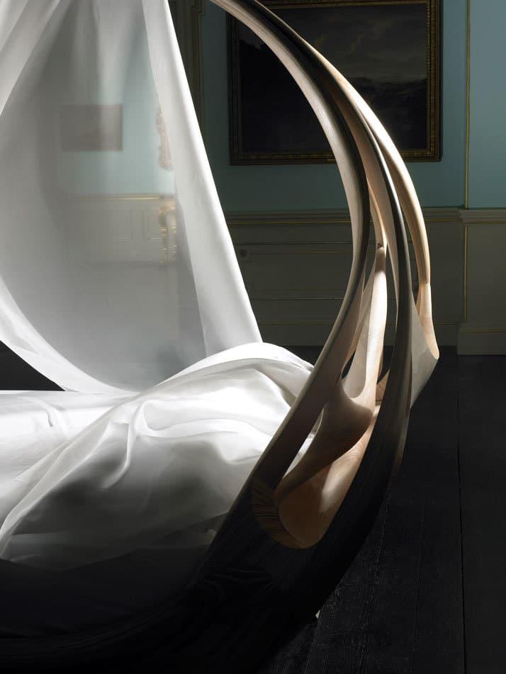 Enignum Canopy Bed 3