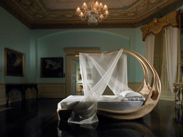 Enignum Canopy Bed 4