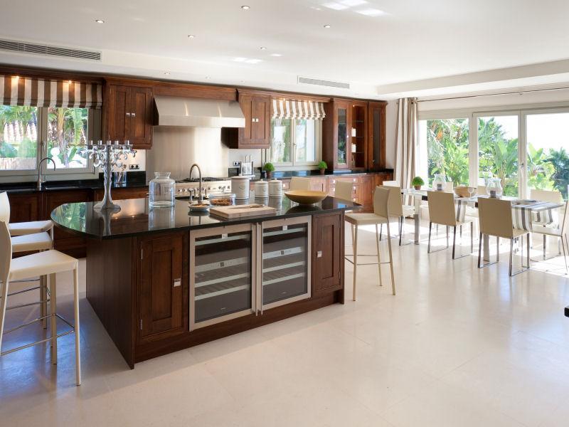 Magnificent Marbella estate 16