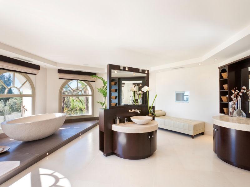 Magnificent Marbella estate 8