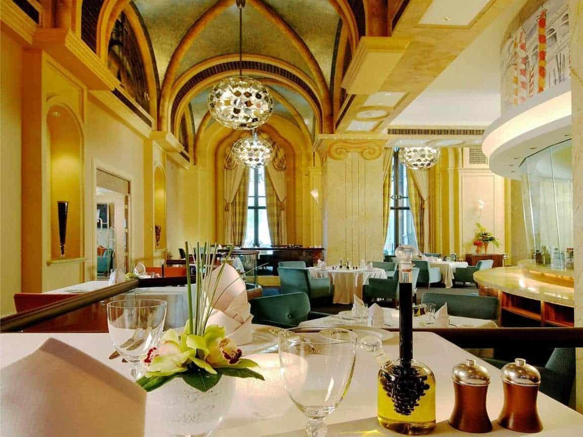 Emirates Palace Hotel 34