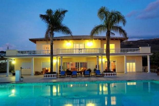 Magnificent villa in the heart of tenerife for Belle case con piscine