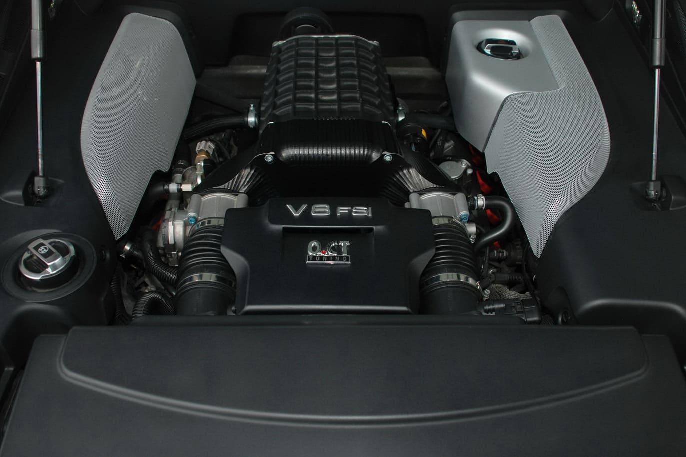 OCT Tuning Audi R8 V8 9
