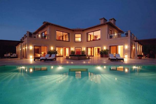 Elegant luxury property in the port of andratx spain for Elegant luxury homes