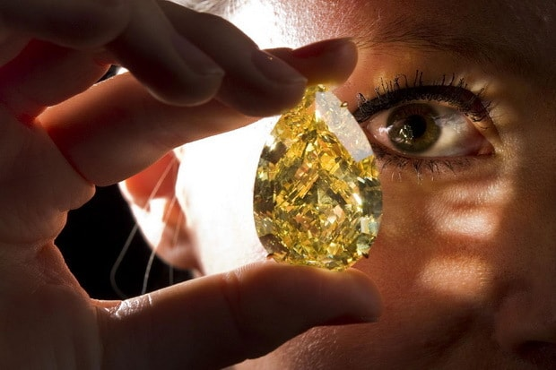 Sun-Drop-Diamond-The-Worlds-Largest-Yellow-Diamond-2