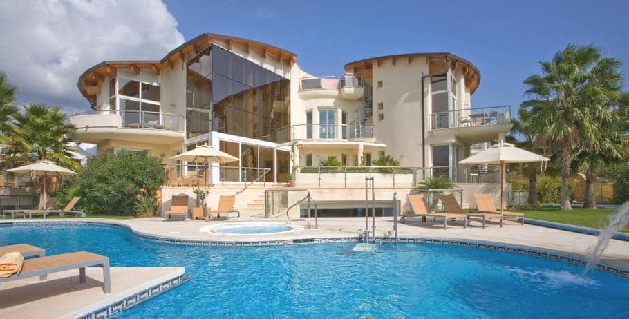Villa el cid in spain might be the perfect luxury bachelor pad - Luxury homes marbella ...