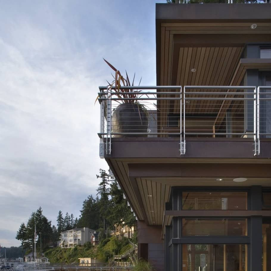 Cliff House in Gig Harbor 3
