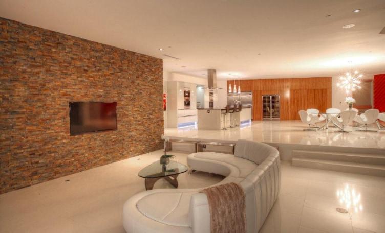 Exquisite Estate in Los Angeles 10