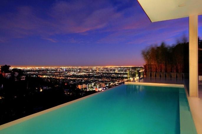 Exquisite Estate in Los Angeles 2