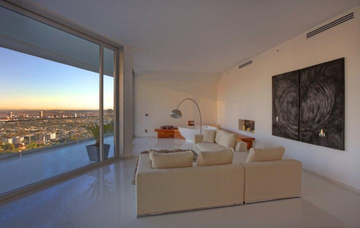 Exquisite Estate in Los Angeles 5
