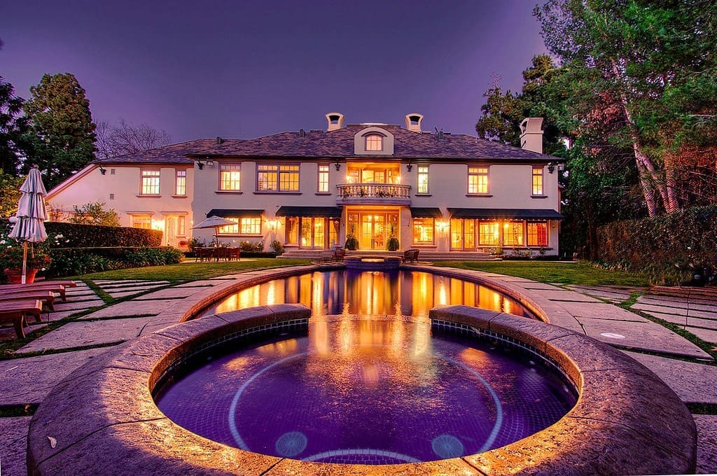 traditional estate in holmby hills los angeles for sale