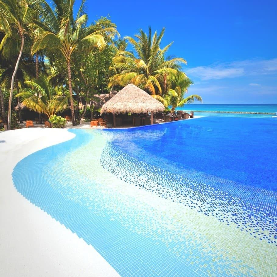 Kuramathi Island Resort Maldives 10