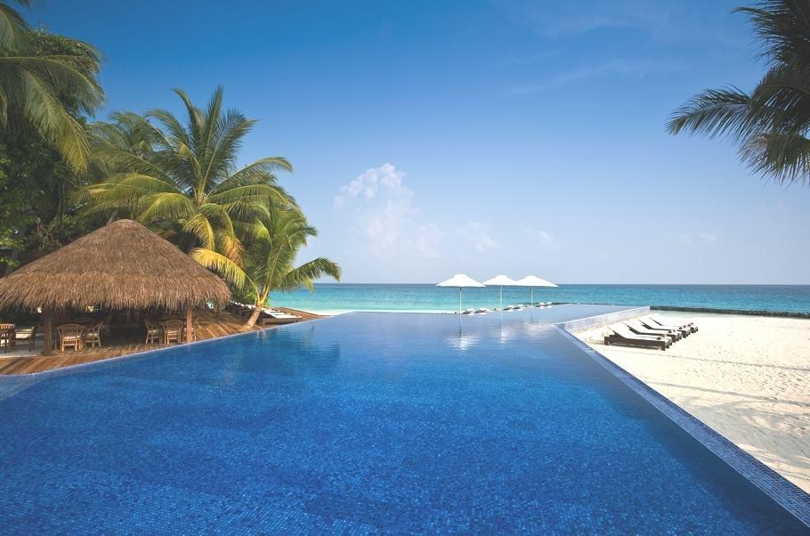 Kuramathi Island Resort Maldives 8