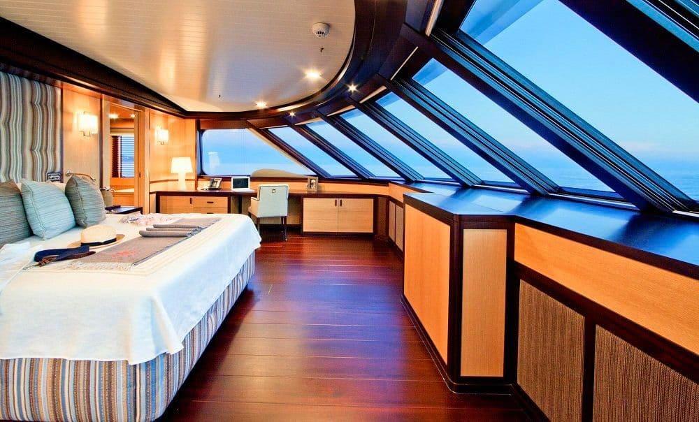 Pamela V Yacht 8