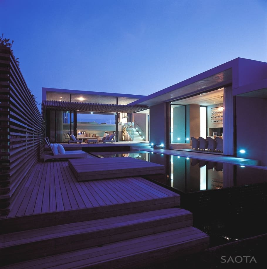 The mesmerizing voelklip beach house in south africa for Beach house designs pinterest