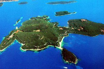 $154 million Skorpios Island 1