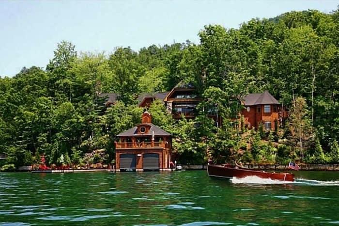 Exclusive Lake Burton Residence