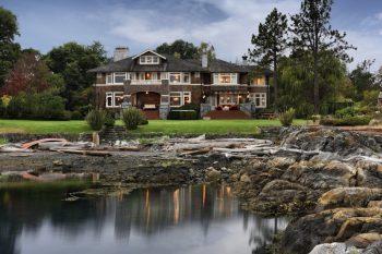 Magnificent Estate in Victoria 01