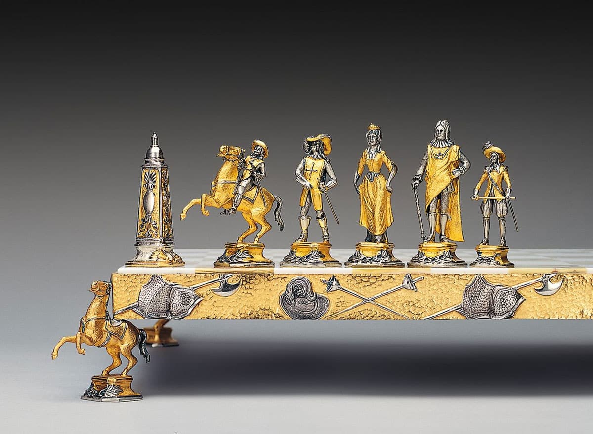 Cars For 8000 >> Gold-plated and silvered chess sets by Piero Benzoni
