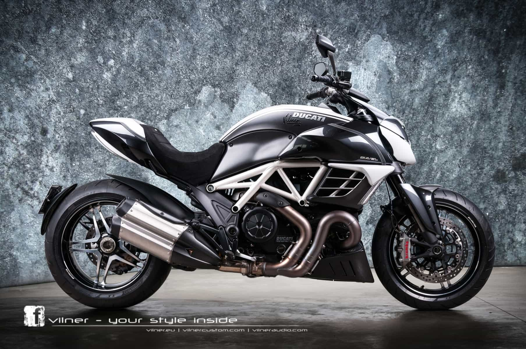 awesome one off ducati diavel amg by vilner. Black Bedroom Furniture Sets. Home Design Ideas
