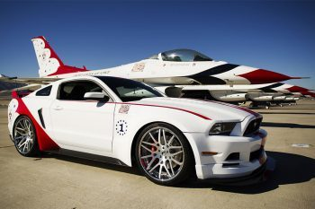 Ford Mustang Thunderbirds Edition 1
