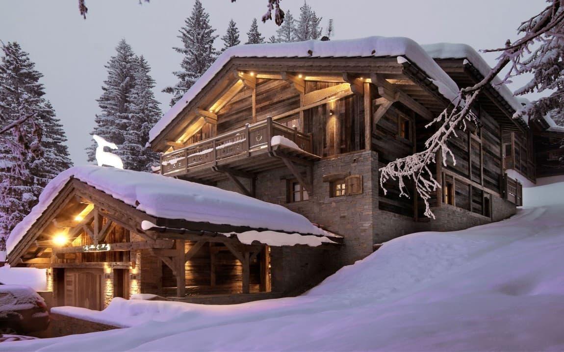 Luxury bedroom chalet for rent in courchevel ski resort