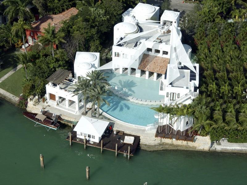 Bay Front Mansion On Hibiscus Island Florida