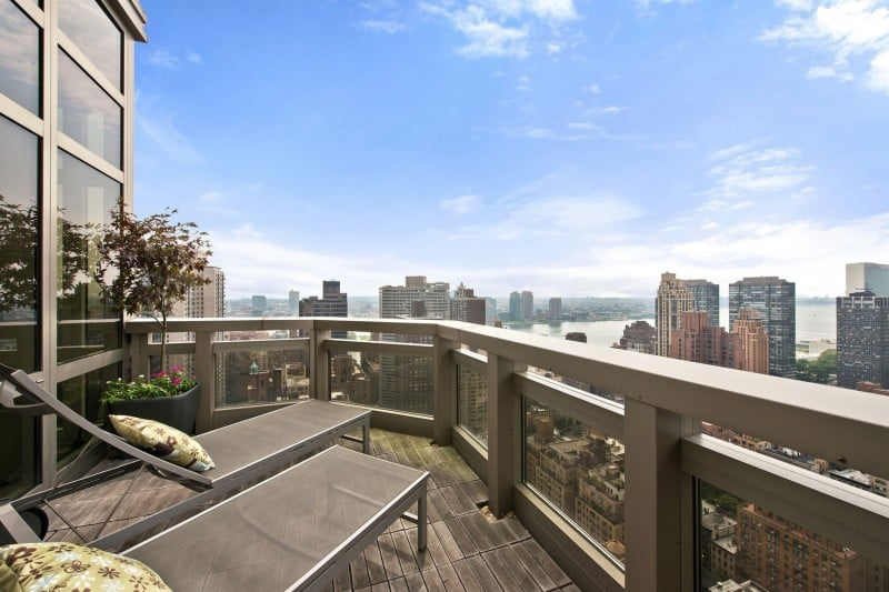 The stunning penthouse on top of the milan tower new york for New york balcony view