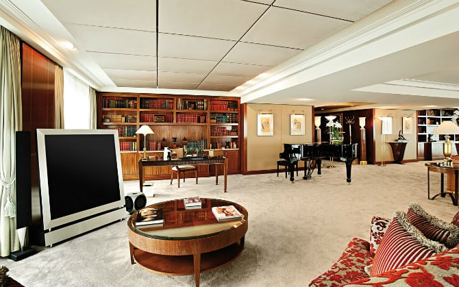 Top 10 most expensive hotel suites in the world for Hotel president wilson royal suite