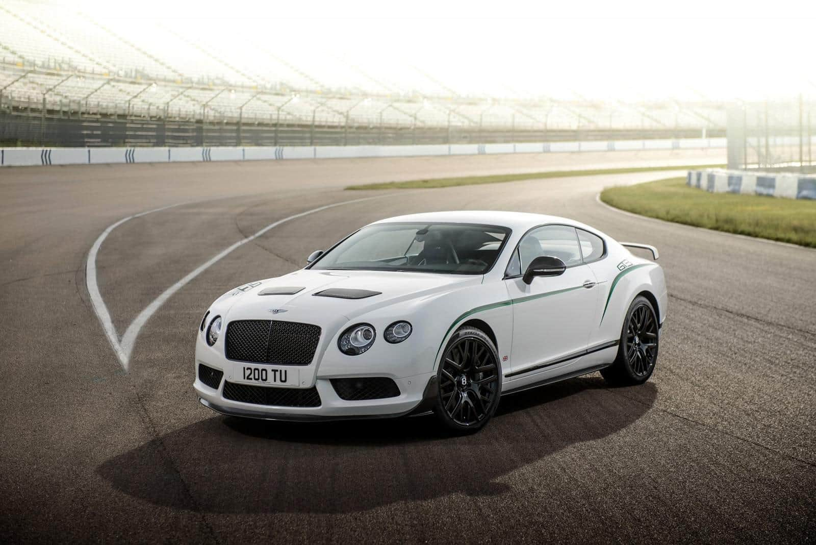Bentley-Continental-GT3-R 19