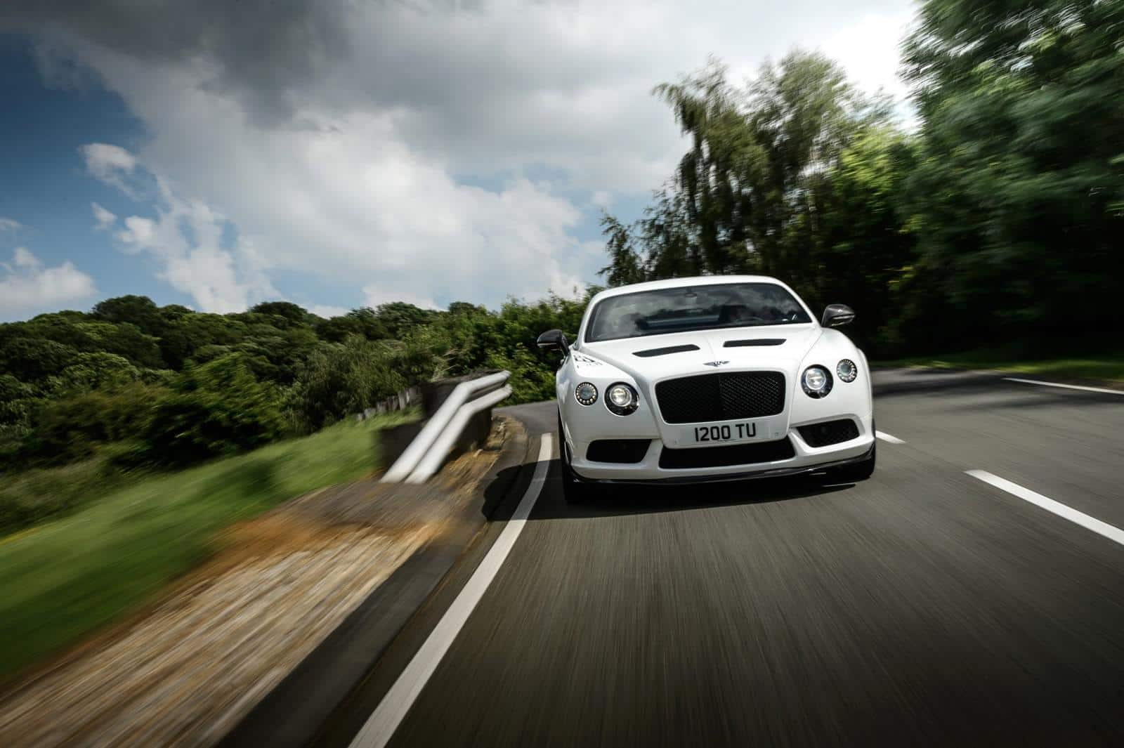 Bentley-Continental-GT3-R 4