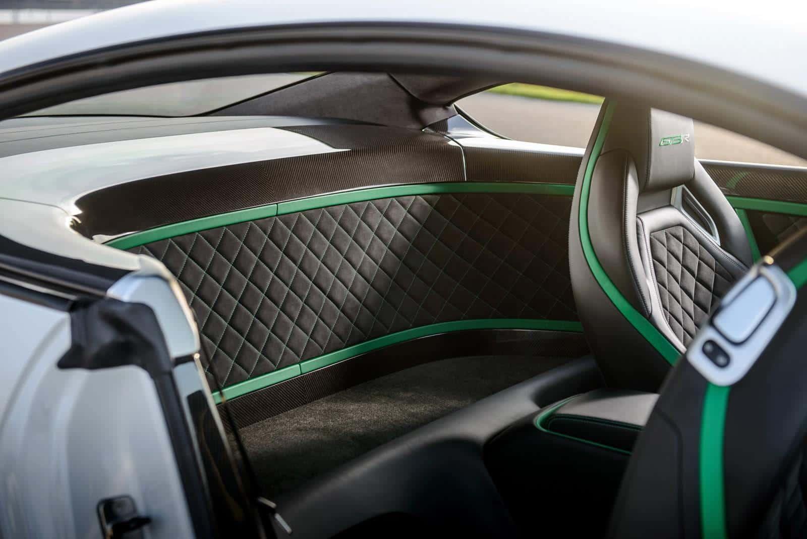 Bentley-Continental-GT3-R 8