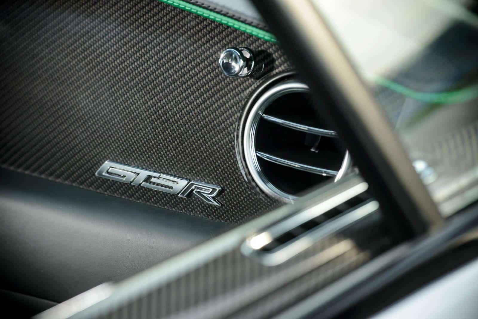 Bentley-Continental-GT3-R 9