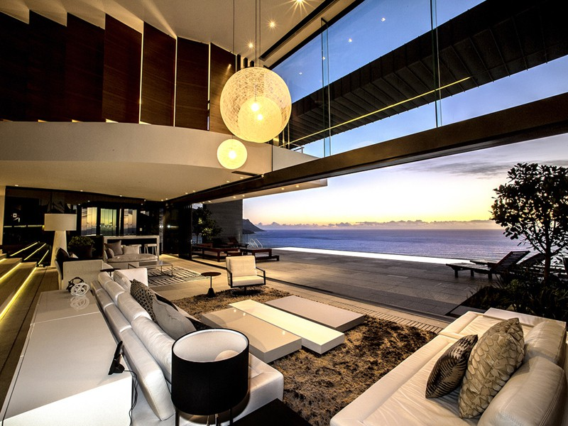 Stunning surroundings and unparalleled opulence at cape