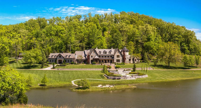 Fabulous Franklin Tennessee Estate With 15 Acre Lake And