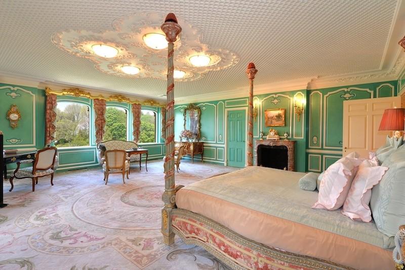 Beautiful Gold Coast Mansion built During the Roaring Twenties