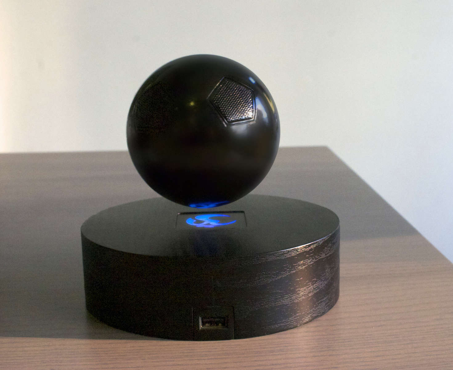 Magnets For Cars >> The OM/ONE Floating Bluetooth Speaker is a Really Cool Gadget