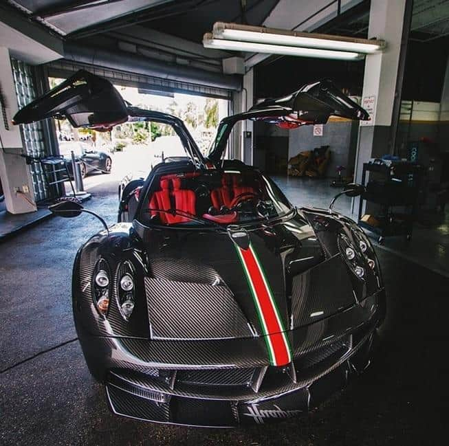 The One Off Pagani Huayra La Monza Lisa Supercar