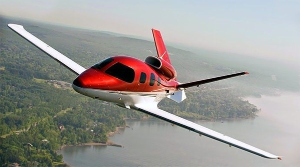 Cool Plane Propellers : Cirrus to release state of the art new vision sf