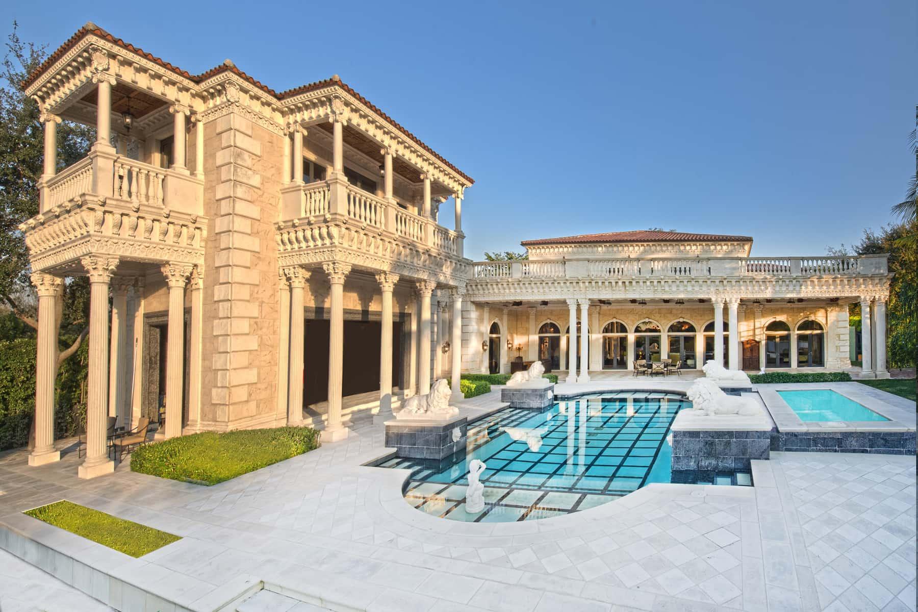Palazzo grande brings the grandeur of the italian Italian restaurants palm beach gardens