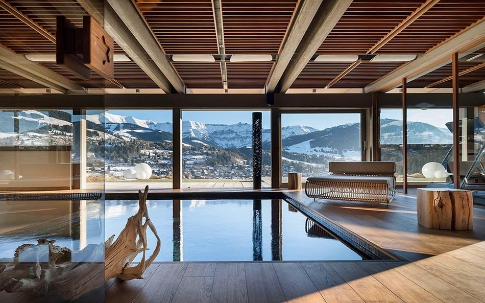 Chalet mont blanc is a spectacular luxury retreat in the for Chalet modern bauen