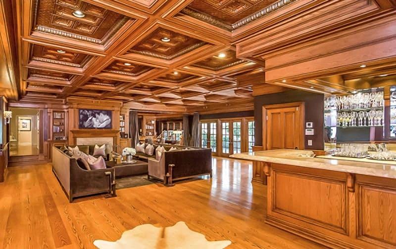 Jennifer Lopez To Sell Hidden Hills Mansion For 17 Million