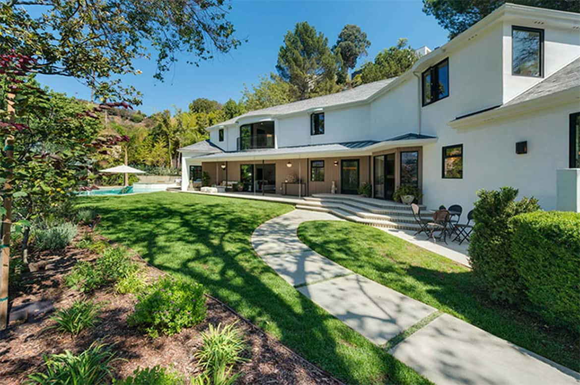 A look at scarlett johansson s quietly opulent los feliz for The look at home