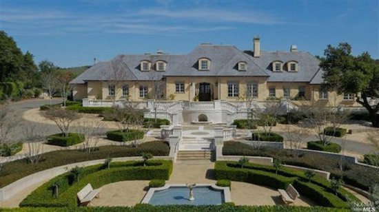 Located In Santa Rosa California This Beautiful French Country Style Estate Brings The Charm And Elegance Of Old World To Golden State