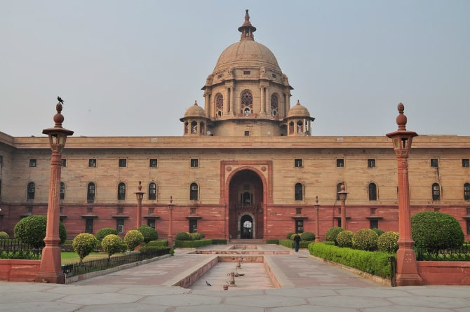 ... But Using 700 Million Bricks And Three Million Cubic Feet Of Stone,  Rashtrapati Bhavan Is A Great Blend Of European And Indian Architectural  Styles.