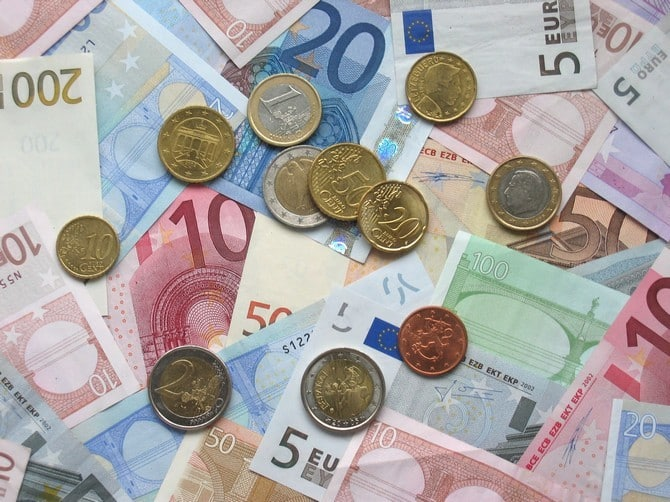 The most expensive currencies in the world today 00007