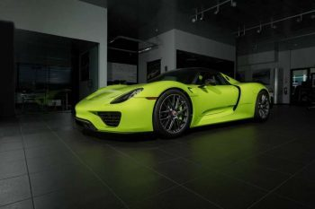 Acid-Green-Porsche-918-Spyder-11