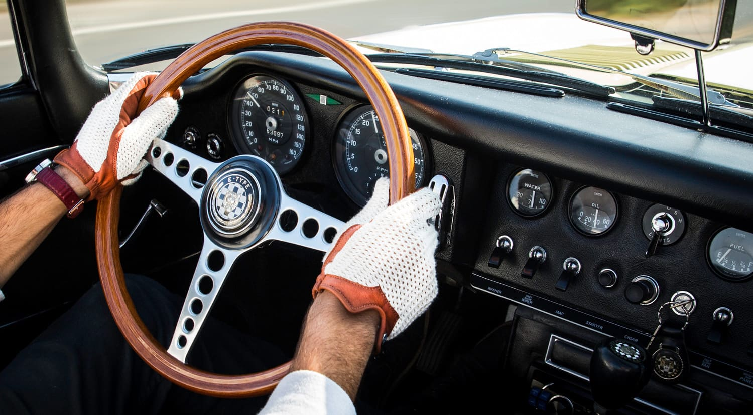 The uber chic Autodromo Stringback Driving Gloves