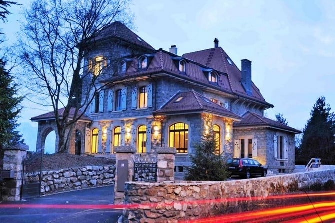 The Griffin House in Geneva Will Charm You Away
